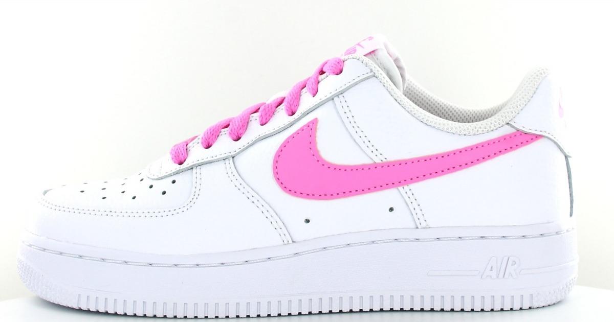 basket femme nike air force 1 rose et blanc